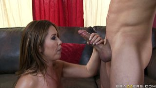 Chinese Kianna Dior gives a sloppy blowjob and rides the dick vigorously Preview Image