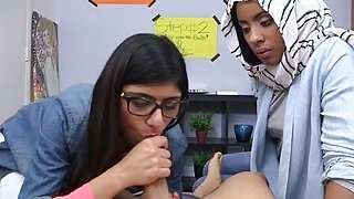 Teen arab babe is willing for cook jerking Preview Image