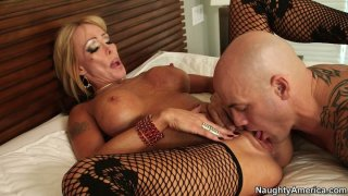 Fuck voracious Houston gets her pussy licked and fucked doggy Preview Image