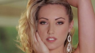 Extremely sexy chick Sarah Peachez_likes reaching orgasm on_her own Preview Image