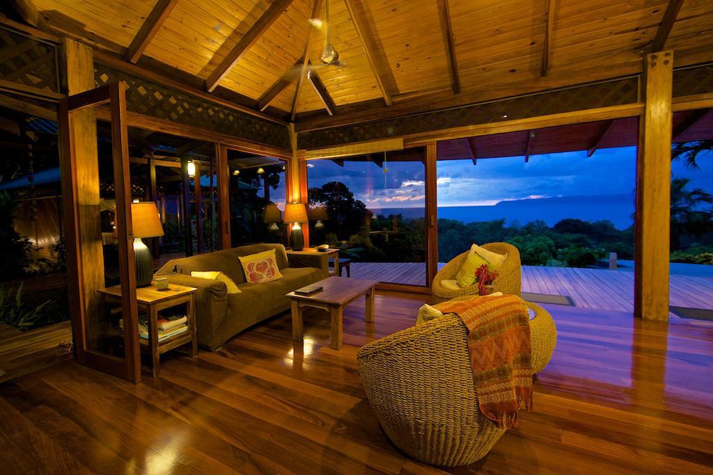 Luxury And Modern Ocean View Estate Id Code 3002