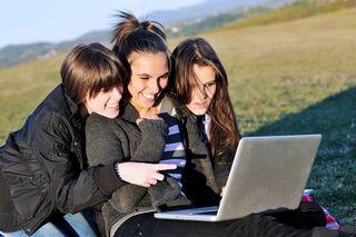 %name Ebeveynlerin Çocuklarını Güvenli Kılmak için Yapabilecekleri En İyi 5 Şey