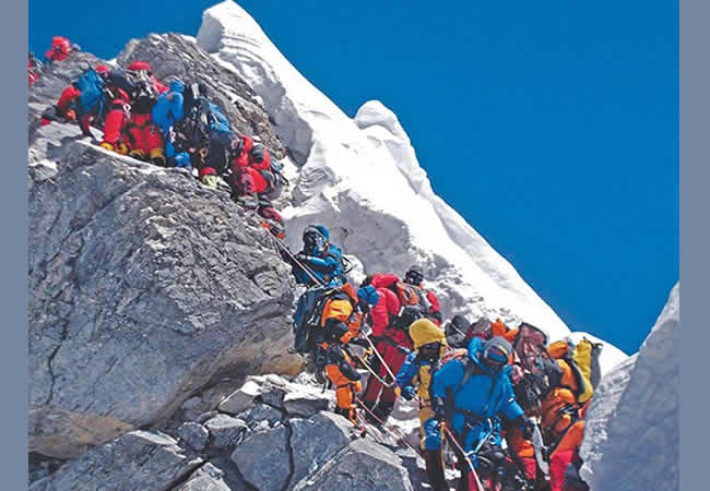 Nepal has opened Mt. Qomolangma and other Himalayan peaks from Thursday after a shutdown that had lasted for four and a half months, according to a Tourism Department official. All spring season expeditions that usually last from March to May were suspended following fears of the COVID-19 outbreak in the country. The Nepali government halted […]