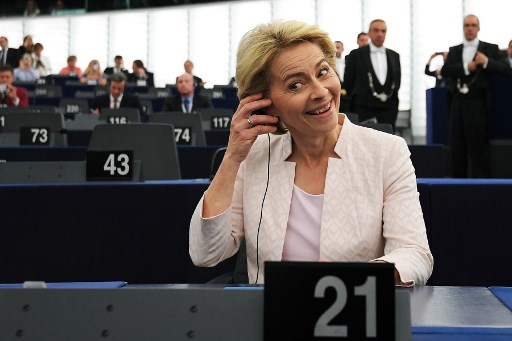 NNN: La présidente de la Commission européenne, Ursula Leyen, a déclaré lundi qu'elle s'attendait à une percée dans le quatrième jour des pourparlers croisés pour convenir du fonds de relance de l'UE et du budget à long terme. «J'ai l'impression que les dirigeants européens veulent vraiment un accord. Je suis positif pour aujourd'hui. Nous n'en […]
