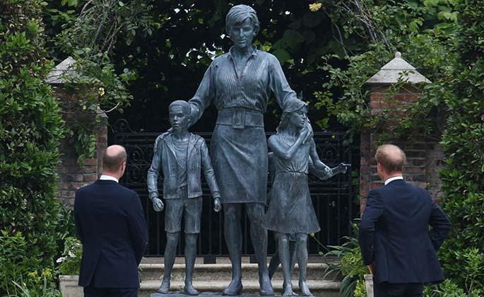 William, Harry reunite for Diana statue tribute