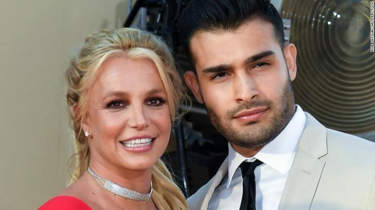 American singer Britney Spears engaged to longtime boyfriend
