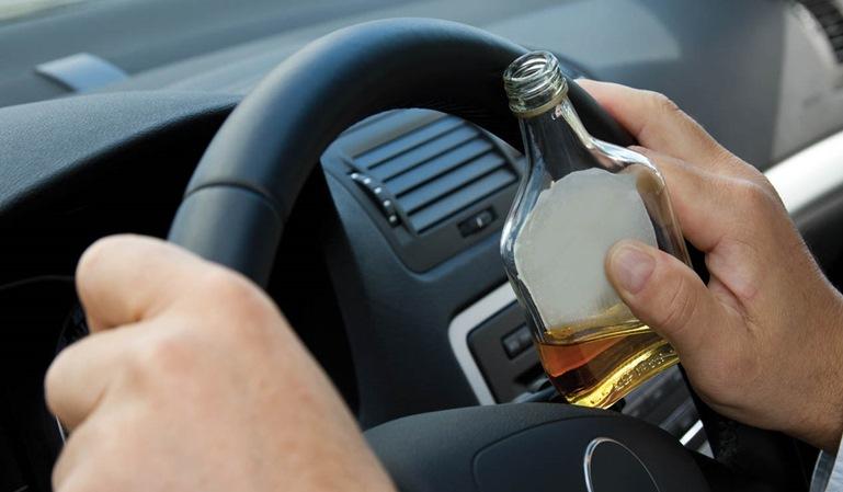 300 multas diarias por alcohol o drogas