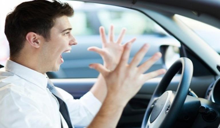 Un atasco puede averiar tu coche