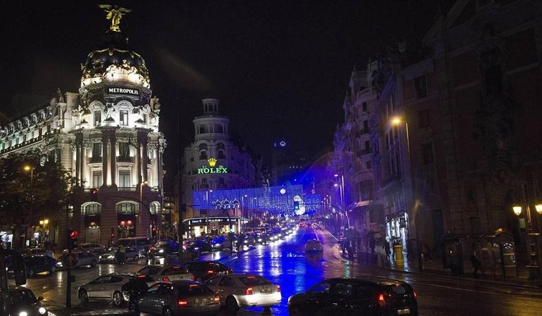 La Gran Vía de Madrid se queda con dos carriles por sentido