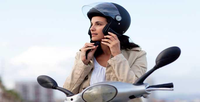 La etiqueta clave para salvar vidas en moto