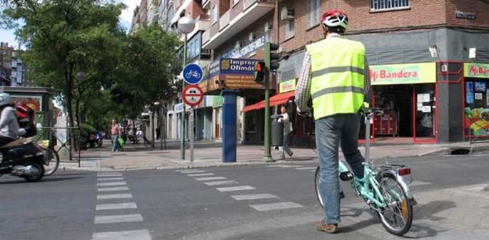 Las novedosas multas de tráfico por las pitadas a ciclistas en ciudad