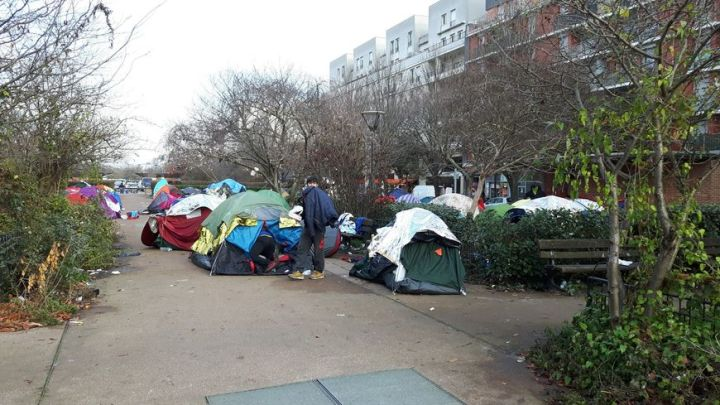 Saint Denis   le camp de migrants pr    s de la porte de la Chapelle     vacu     Le camp apr    s l     vacuation  avenue Wilson      Saint Denis