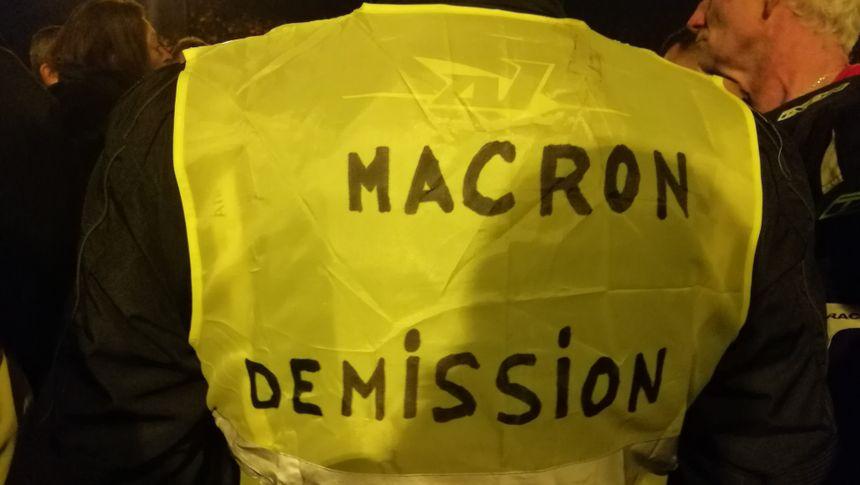 Les gilets jaunes à Bayonne lundi soir - Radio France