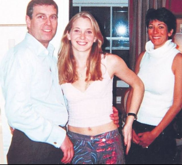 Le prince Andrew, Virginia Giuffre et Ghislaine Maxwell en 2011
