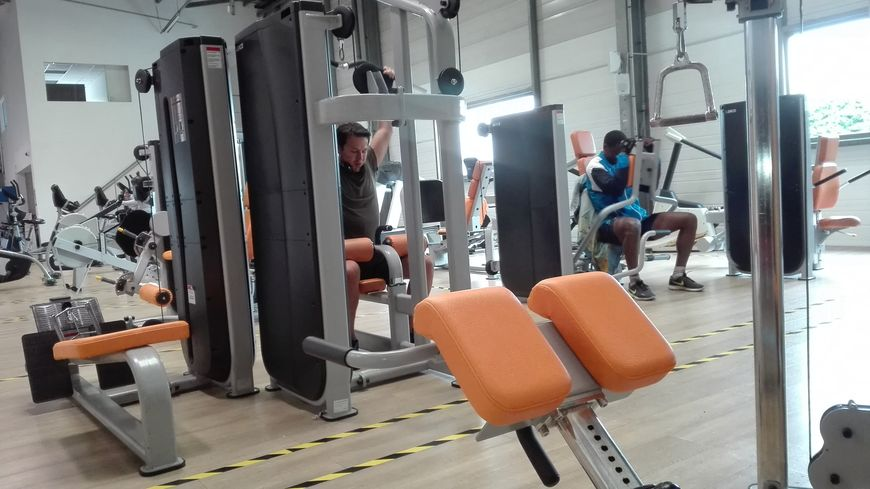 salle de sport form and fitness