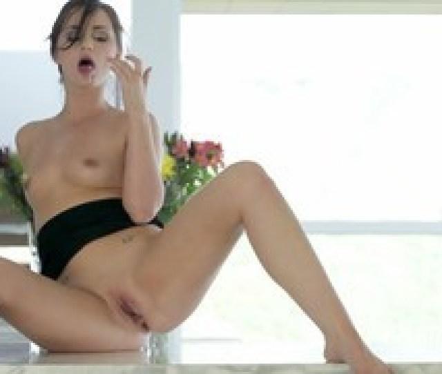 Body Shaking Orgasm For Petite Babe