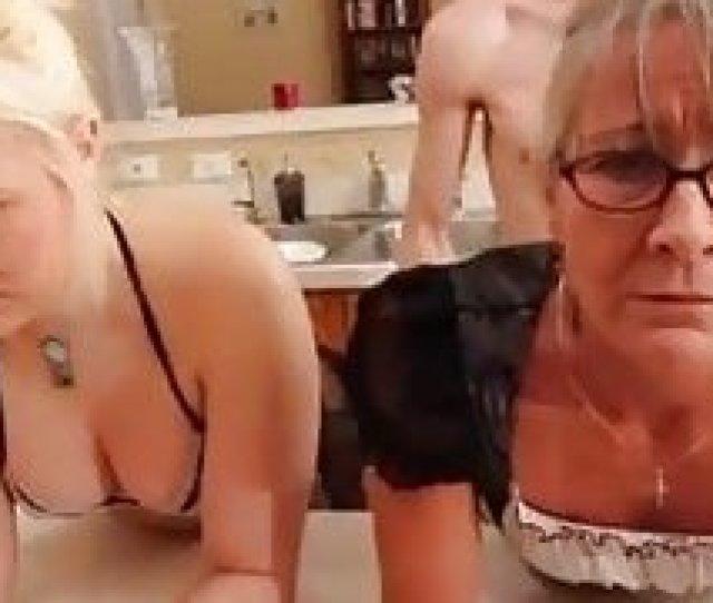 Free Son Rapp The Mom Xnxxx Mp Porn Videos