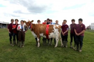 Oathall students at the Heathfield Show with Rusty 10!