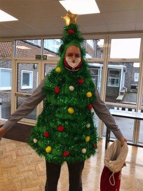 Xmas-tree-jumper-day