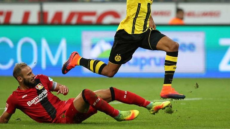 Borussia Dortmund anuncia contratação de Ömer Toprak