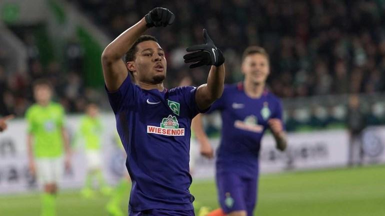 Werder Bremen deixazona de despromoção