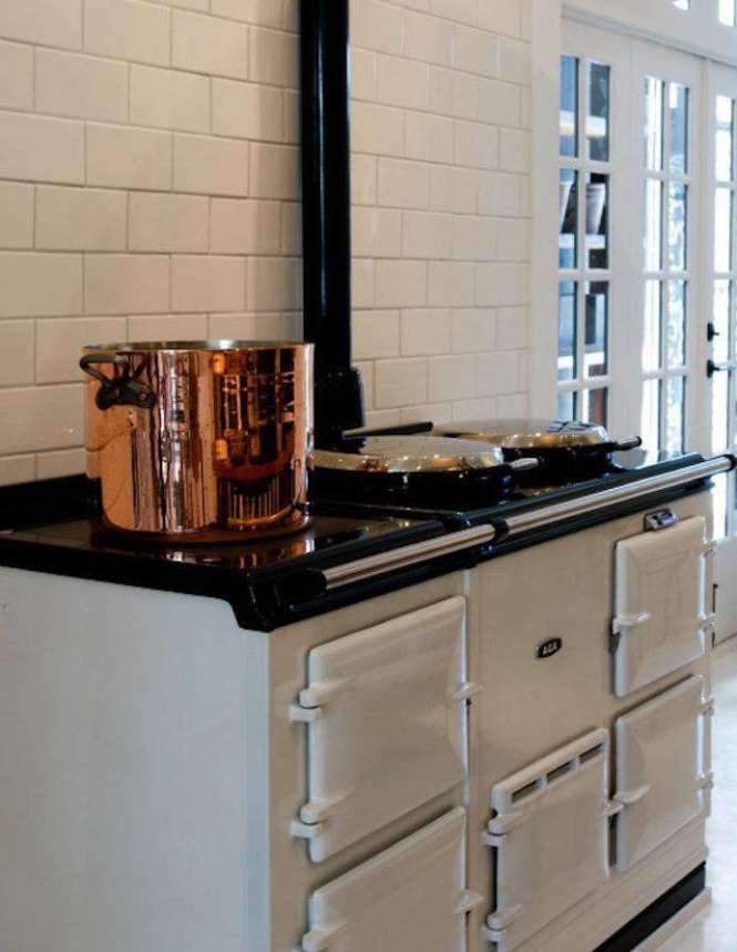 A Rayburn Cooker 300k In A Kitchen Galway Ireland Designed By Guard Tillman