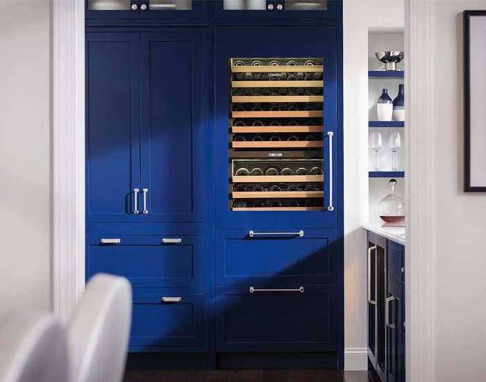 Sub Zeros 30 Inch Integrated Wine Storage With Refrigerator Drawers