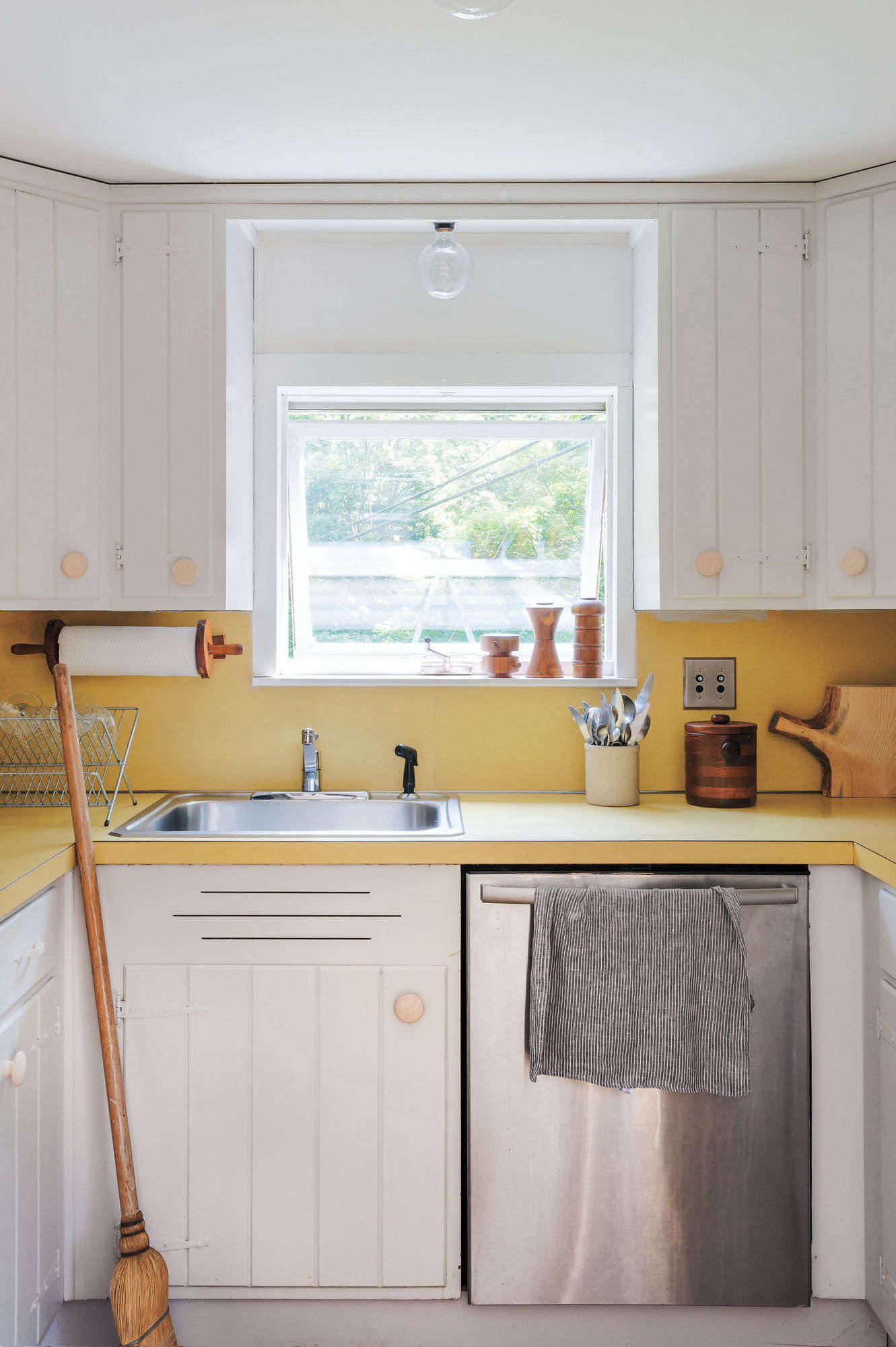 Expert Tips On Painting Your Kitchen Cabinets
