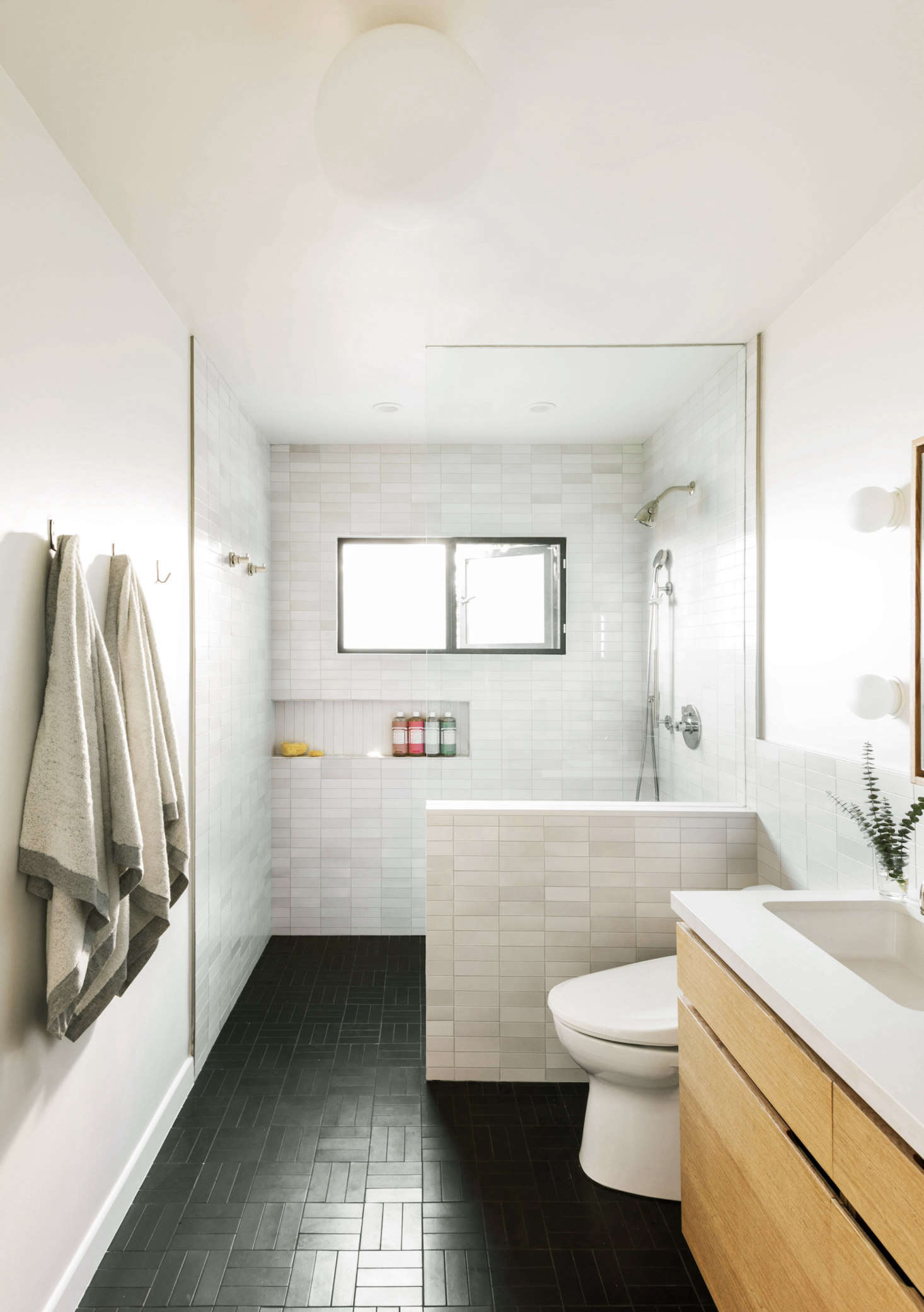 Bathroom Of The Week In La A Softer Take On Black And White Remodelista