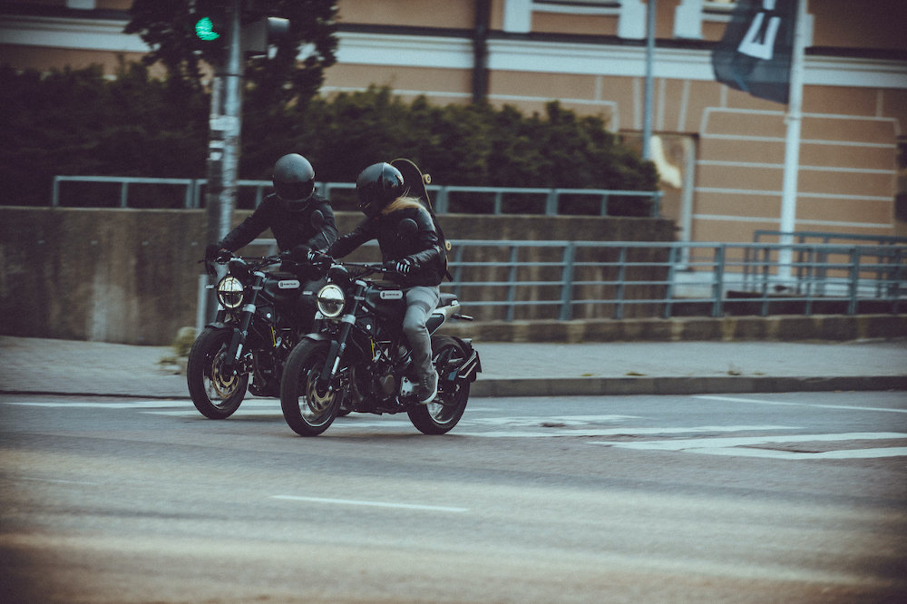 Two riders on Husqvarna's new SVARTPILEN 125