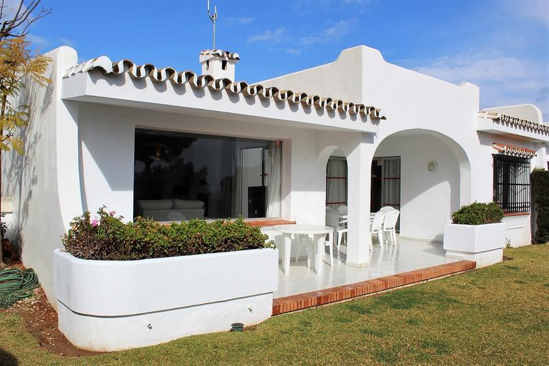 Semi-Detached House in Miraflores