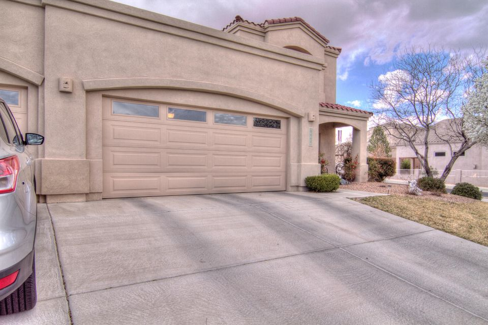 Beautiful OX Bow gated community. Home is situated on large corner lot with 4 bedrooms and 2.5 baths. Great views of the Rio Grande and Sandia Mountains. Wood floors, tile with decorative mosaics and great chefs kitchen. This home is a short sale and won't last long!