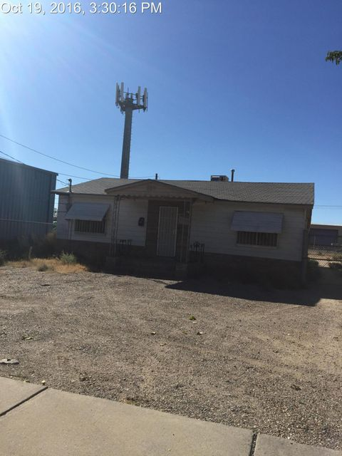 Currently being used as a commercial property, but can be used as residential or commercial (multiuse)Start your new life together in this 3-bedroom/1-bath 1400-SF home in Albuquerque. Has a classic living room, classic dining room, accessible kitchen, fenced back yard, shingle roof, off-street parking.