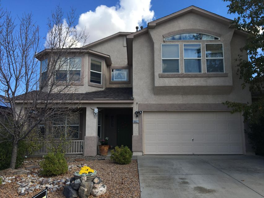 Back on the market!  Fabulously family-friendly home in Ventana Ranch!  2 or 3 living areas - good sized bedrooms with a master room that's fit for a king.  Priced to sell and only minutes from the neighborhood park, walking trails and schools.