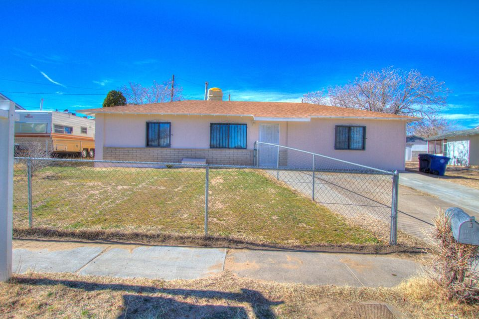 *** In Ground Gunite Pool********Well cared for single story home in SW Albuquerque. This 3 bedroom 2 bath home has newer roof newer up-graded electrical, Sun room.Open light and bright good sized secondary bedrooms. Great in ground gunite pool. Big side yard for your trailers. Make offer today