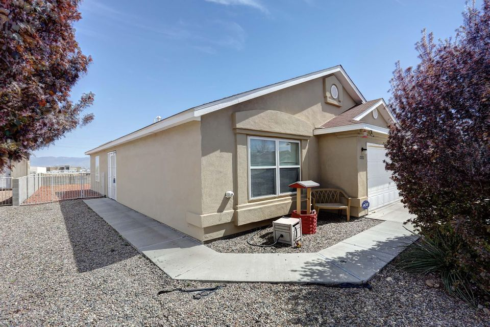 Views, views, views!!! Open floor plan, large country kitchen includes 3 spacious bedrooms. Refrigerated air landscaped front and back. Security doors in front and back yards