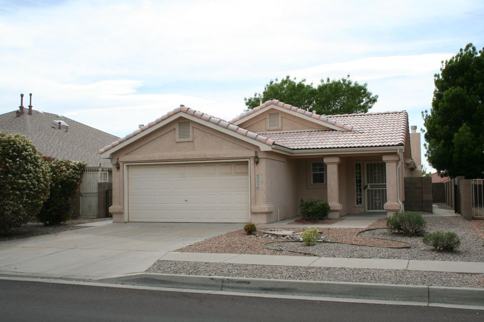 Perfect 3BR features open floor plan. Spacious master bedroom suite is truly fit for royalty (bonus reading or exercise area too).  New carpet, fresh interior paint.  Well appointed kitchen with plenty of cabinets. Tile roof. La Cueva School District plus close to shopping.  Nothing to do, but move in and relax.