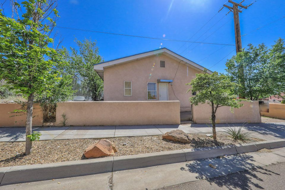 Move in ready! Come see this 4 bedroom, 2 full bath, 1 story home!  Updated Duo-Pane Windows, New furnace, and is freshly painted.  Home remodeled 14 years ago! Home is a Must SEE!