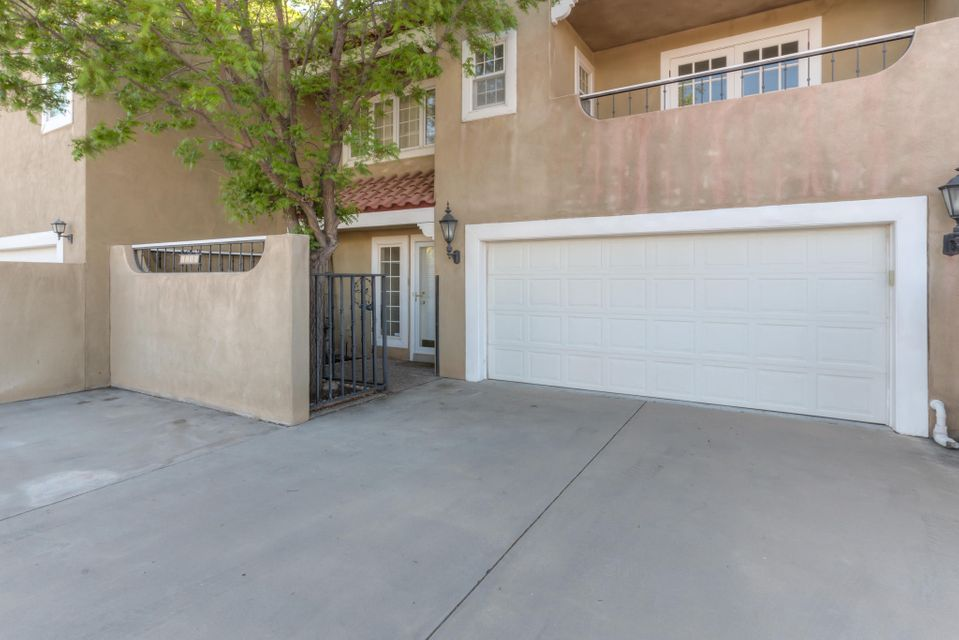 Beautiful North Valley Community. Quiet, Peaceful, Open and Inviting. Always wanted to live in North Valley in a gated private community for less than $400,000? Well this is your best opportunity, so don't delay before someone else buys this gem. Updated kitchen and bathroom, fire place, carpet and lighting. Welcome Home and enjoy!