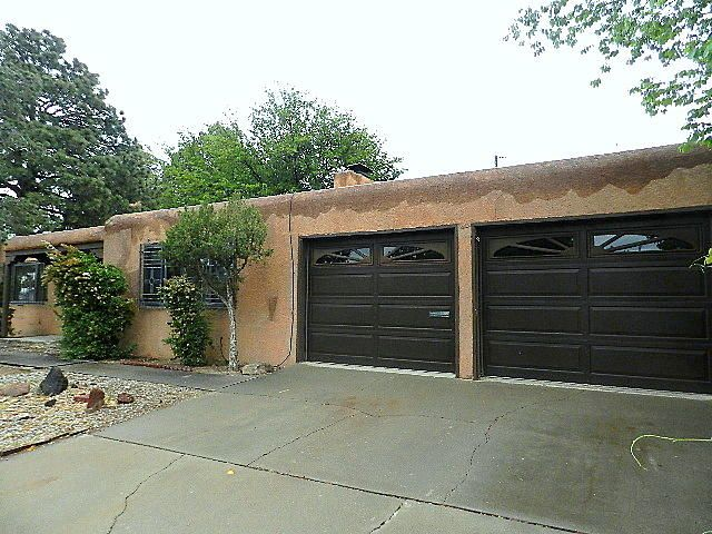 This Fannie Mae HomePath property features 4 bedrooms, 2 baths and several different living areas, offering plenty of space throughout. New carpet in the living room, den and bedrooms. New evap coolers, and the roof has been serviced. Located in the Uptown area, close to all the new shops and restaurants. Termite inspection has been completed.