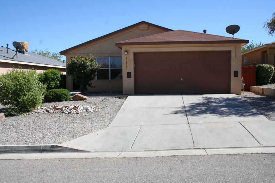 Nice west side home features open  floor plan with good sized master bedroom.  Double vanity, separate garden tub and shower in MBR Bath. Open kitchen with plenty of cabinets. Conveniently close to shopping.  Good freeway access too.