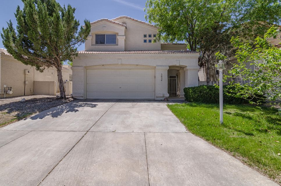 Wonderful 2 story home in High Resort Village close to Golf Course and Club House. This open light floorplan offers  3BR/2.5BA with 2 living areas. Cooking made easy in the kitchen w/island & breakfast nook w/bay window plus a seperate dining area. Master Suite w/walk in closet and double sink vanity plus a balcony to enjoy nice summer evenings as well as covered patio in backyard for relaxing. This spacious home has room for living and entertaining.