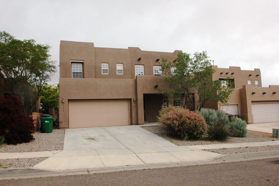 what a great house, New Paint, New Carpet.And a View you must see, WOW. home has 3 bedrooms and a loft upstairs and a office down stair.Laundry location is upstairs, AWESOME.