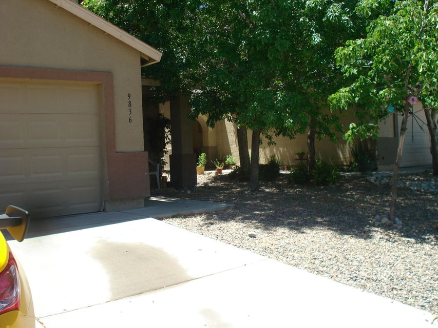 Nice 2 Story Home* 2 Living areas *Kitchen has Breakfast Bar**Master Suiteincludes Full Bath with Double Sinks** Nice Size Back Yard**
