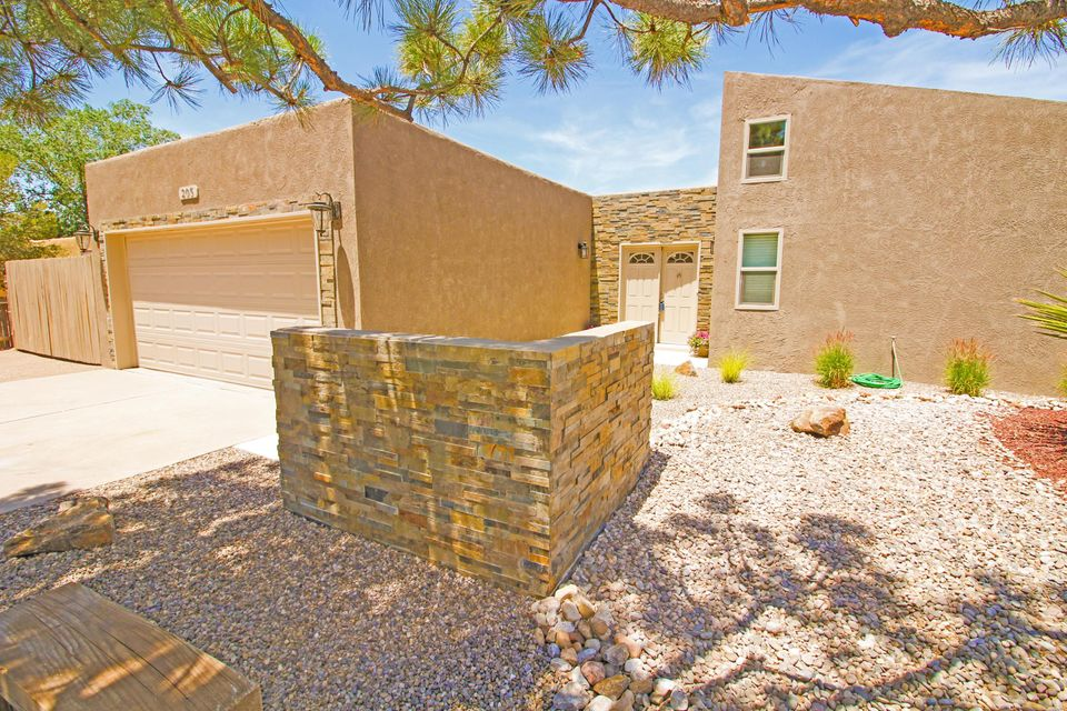 Beautiful SEMI-Custom home sitS on 1/2 Acre. Come see this BEAUTY with TRAVERTINE flooring, Outdoor ATRUIM in the middle of house. TWO (2) Living Areas, FULLY landscaped. RV Parking. GRANITE counters and ALL Stainless Steel APPLINACES Stay. FINISHED 2 car Garage. COMES w SAMSUNG washer and dryer and NEW Samsung KITCHEN  APPLIANCES.BACK yard access, fully FENCED. SLATE Stone on  the OUTSIDE of home done in GREAT taste. LOTS of great FEATURES. Come see!!!!