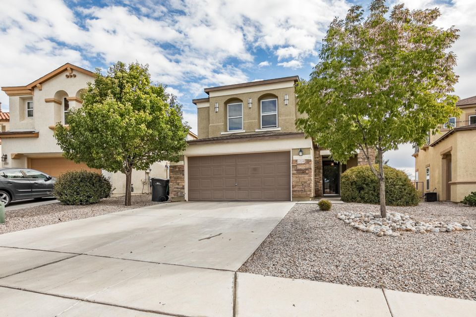 This is a must see in Northern Meadows, great views of the mountains, nice backyard for entertaining.This newly built home is sure to please!