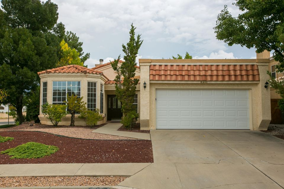 Well maintained single level in La Cueva High School District.  Vaulted ceilings with plant/display ledges, lots of windows and skylights! Updates over the years including ceramic tile throughout, kitchen & bath counter tops, redone master shower with two shower heads, hall bath, water heater, garage door, outside lighting! Breakfast nook plus breakfast bar in kitchen...(refrig stays). Huge master suite with room for sitting area! Master has private 3/4 bath, walk-in closet with skylight! Formal dining area! Great room with gas log fireplace! Washer & Dryer stay.