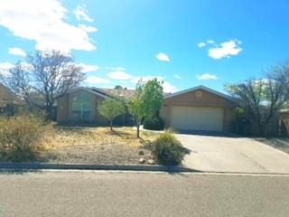 Adorable well kept home in the desirable neighborhood of Rivers Edge 3. Close to highway 550 to be able to zip to I25. Mature trees and large back yard. Kitchen has abundance of cabinets with Skylights that capture that natural lighting that flows right into nice dining area which take you out to the covered patio.