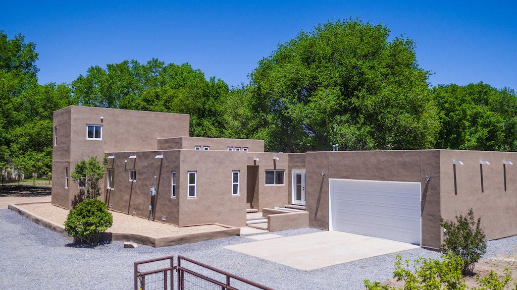 Come see this newly remodeled home nestled in the lush part of Peralta on half an acre. Two living areas for the entertaining, Whole home redone, fresh paint, carpet and tile, new countertops, bathrooms redone and so much more. Bring the animals as there is plenty of room for the horses, and or pets. Bring the toys or RV as there is plenty of room to park with the back yard access.