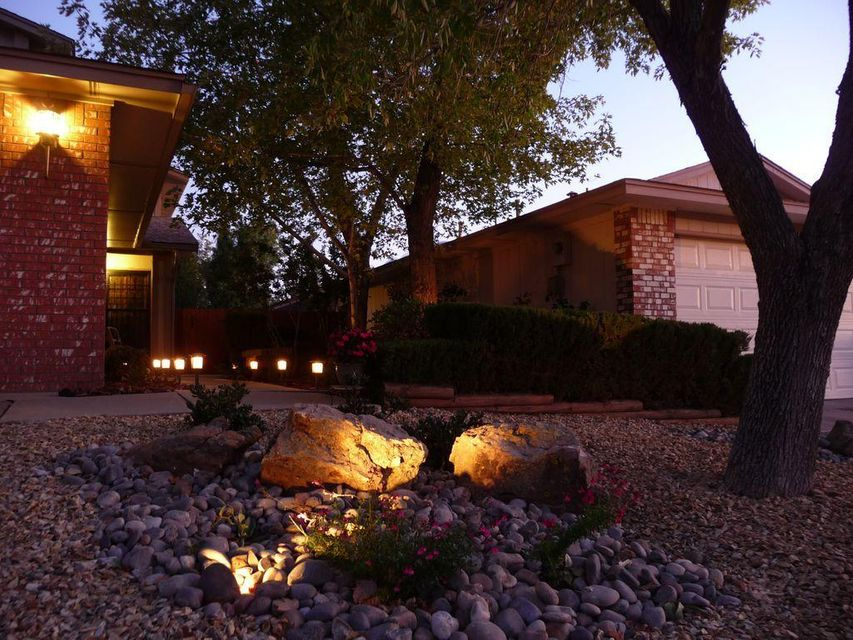 Original owner, updated two story home in Oso Grande neighborhood. Complete interior painting. New kitchen counter with built in sink. New range and dishwasher. All new antique bronze faucet fixtures throughout. Fully landscaped, drip irrigation. Rheem high efficiency two stage furnace and high efficiency refrigerated air conditioning. New interior painting. Upgraded interior light fixtures. Vaulted ceilings. Gas log fireplace upgrade with custom built glass doors. High block wall for backyard privacy. Convenient location, quiet neighborhood. Community park short walking distance.